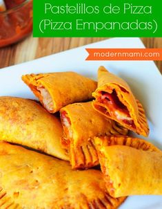 I tried pizza empanadas from a food truck a few weeks ago and have been craving them ever since. I suppose I'll be making my own. Mexican Dinner Recipes, Pork Recipes, Mexican Food Recipes, Snack Recipes, Tasty Snacks, Easy Recipes, Cooking Recipes, Pizza Empanadas Recipe, Beef Empanadas