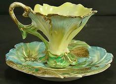 Rare Nippon Figural Demi Cup and Saucer Antique Tea Cups, Vintage Cups, Art Nouveau, Keramik Design, Tea Pot Set, Tea Sets, China Tea Cups, Teapots And Cups, Tea Service