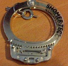 Learning to Pick Handcuffs - It is not as intuitive as you think it is, so having a learning tool to help you visualize the inner workings is essential. geekprepper.org