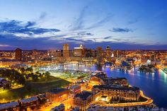 Quick Guide to Baltimore: Must-see attractions and the restaurants you have to try when you visit! | DrivetheNation.com