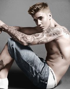 Justin Bieber is the new face of Calvin Klein in a series of adverts in which the singer poses with model Lara Stone. Lara posted a photo of them together Justin Bieber Fotos, Justin Bieber Pictures, I Love Justin Bieber, Justin Bieber Tattoos, Justin Bieber Sleeve, Justin Bieber Fashion, Justin Bieber Company, Lara Stone, Modelos Calvin Klein