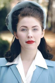 This is one of the more historically accurate 40s looks I've seen.40s