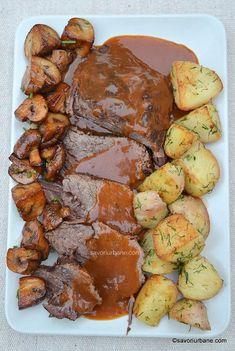cea mai frageda friptura de vita la cuptor cu sos si garnitura de cartofi si ciuperci