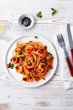 An Italian classic – simple al dente spaghetti served with a rich tomato and white wine sauce, and plenty of lightly fried seafood. With extra depth from salty capers and anchovies, this gorgeous marinara sauce is crammed with the fresh flavours of the sea. | Tesco