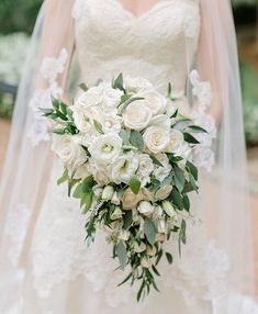 Pretty white wedding bouquet #whitebouquet