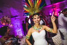 Mi primera Boda en Cartagena de Indias Colombia ! Creo que para cualquier fotógrafo de bodas o matrimonios es como un sueño poder salir de su país para hacer un matrimonio en alguna destinación, Carol y Grahama quienes conocí en Chile por una sesi...