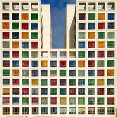 Yener Torun, architecte. Colourful Minimalist Architecture_5