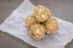 "Healthy No-Bake Peanut Butter Bites  ~  Make for a great breakfast ""on the go"""