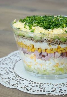 Layered salad with egg, ham and cucumber - Aniołki - Makaron Salad Recipes, Diet Recipes, Cooking Recipes, Healthy Recipes, Rabbit Food, Egg Salad, Food Design, No Cook Meals, Polish Recipes
