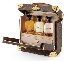Un flaconnier de parfums en cuir monogrammé fabriqué dans les atelier Louis Vuitton d'Asnières, Louis Vuitton, 4300 euros