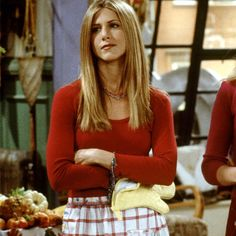 jennifer aniston // rachel green in friends Friends Mode, Serie Friends, Friends Moments, Friends Tv Show, Friends Forever, Joey Friends, Rachel Green Outfits, Rachel Green Style, Rachel Green Friends