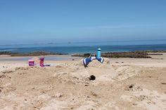Księgarnia Plac Francuski zanurza się w morza lazurze i relaksującej lekturze.  Do końca lipca nasze wakacyjne propozycje w promocyjnych cenach.