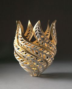 Ceramic sculptor Jennifer McCurdy creates nature-inspired porcelain sculptures that seem to glow from within.