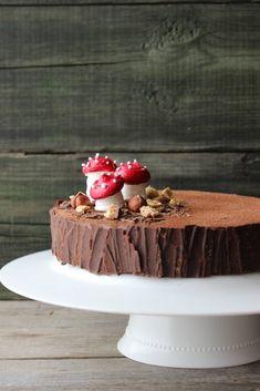 Hazelnut and chocolate cake - HQ Recipes Holiday Cakes, Christmas Desserts, Christmas Baking, Cake Cookies, Cupcake Cakes, Cake Recipes, Dessert Recipes, Log Cake, Salty Cake