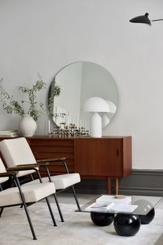 - Modern Interior Designs - Lilipop - Enfilades buffets scandinaves Learn how to implement the design trend . Lilipop - Enfilades buffets scandinaves Learn how to implement the design trend of the year into your home - mid-century modern. Furniture Design, Living Room Interior, Contemporary Interior, Modern Interior Design, Mid Century Modern Living Room, Living Decor, Trending Decor, Home Decor, House Interior