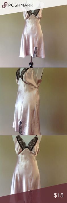 IVORY CREAM BEIGE FAUX SILK SILKY SATIN NIGHT DRESS WEAR NIGHTIE CHEMISE BNWOT