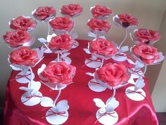 Eid Cards, Cute Birthday Gift, Painted Wine Glasses, Ideas Para Fiestas, Diy Wedding Decorations, Bottle Crafts, Flower Crafts, Flower Making, Quinceanera