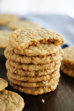 Old Fashioned Soft and Chewy Oatmeal Cookies - Buttery soft, old-fashioned vanilla oatmeal cookies that melt in your mouth! Thecomfortofcooking.com