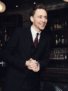 Tom Hiddleston - Your smile, sir.