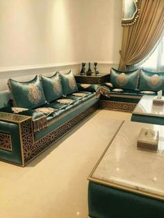 Más Home Room Design, Living Room Designs, Living Room Decor, Sofa Furniture, Home Decor Furniture, Furniture Design, Moroccan Interiors, Moroccan Decor, Luxury Interior Design