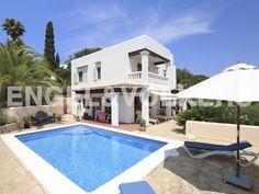 NUEVA PROPIEDAD DE LA SEMANA: Casa de campo idílico con vistas al mar y montañas #Ibiza