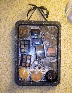 Leslie Marquez Designs: DIY Magnetic Makeup Organizer