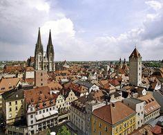 Mittelalter-Manhattan mitten in Bayern: Die Altstadt von Regensburg ist voll spannender Geschichten und Typen. | Foto: Peter Ferstl