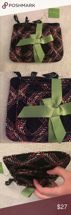"""NWT Vera Bradley Cosmetic Trio in Minsk Plaid 3 different sized makeup bags, Smallest 5""""L x 4 1/4""""H, medium 7""""L x 5 1/2""""H, largest 8 3/4"""" L x 6 3/4""""H Vera Bradley Bags Cosmetic Bags & Cases"""