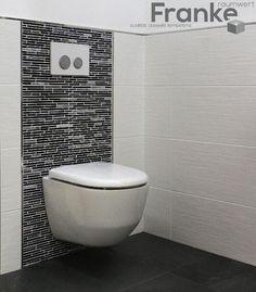 TopCollection Minos, weiß matt strukturiert im Format 30x60 kombiniert mit dem Material Mix Mosaik Quartz Black www.franke-raumwert.de #TopCollection #Minos #Mosaik