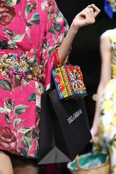 Dolce & Gabbana Spring 2016 Ready-to-Wear Fashion Show Details Dolce & Gabbana, Fashion Mag, Fashion Show, Milan Fashion, Fashion Trends, Casual Black Jumpsuit, 3d Rose, Spring Summer 2016, Hello Spring