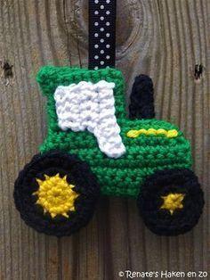 Gratis patroon sleutelhanger John Deere tractor / free pattern John Deere tractor keychain