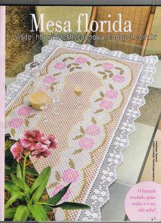 Bordado xadrez - Caminho de mesa - Mesa florida