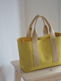 Jute Tote Bags, Denim Tote Bags, Diy Tote Bag, Cotton Tote Bags, Leather Bag Tutorial, Japanese Bag, Diy Bags Purses, Craft Bags, Fabric Bags