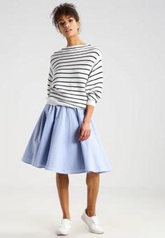 Köp Selected Femme SFAMERI - Stickad tröja - snow white för 699,00 kr (2017-03-02) fraktfritt på Zalando.se