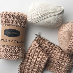 "733 Synes godt om, 2 kommentarer – Cluck Cluck Boots •• Kathy (@cluckcluckboots) på Instagram: ""Wednesday morning vibes...starting a soothing scarf project involving sequence knitting (a broken…"""