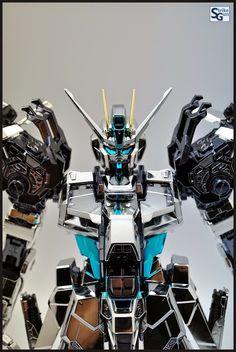 PG 1/60 Strike Gundam 'Extra Coat Finish Ver.' Modeled by Strike Gundam Holic