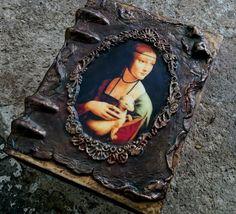 Decoupage Box, Handmade Journals, Small Art, Old Books, Bottle Art, Altered Books, Mixed Media Art, Wooden Boxes, Steampunk