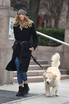Suki Waterhouse takes boyfriend Bradley Cooper's dog for a walk. after supporting the actor at American Sniper premiere Street Chic, Street Style, Suki Waterhouse, Dog Jacket, Models Off Duty, Bradley Cooper, Sporty Chic, Dog Coats, Winter Sweaters