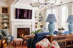 Eclectic Living Room, Home Living Room, Living Room Decor, Living Spaces, Cottage Living, Interior Design Inspiration, Decor Interior Design, Room Inspiration, Interior Decorating
