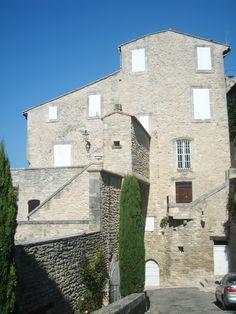 les vieilles maisons en pierre