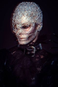 A breathtaking creation by the amazing Lan Nguyen-Grealis. A MUA who pushes the boundaries of creativity & showcases her natural daring style & amazing technical ability in this look.