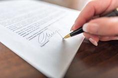 Arbeitszeugnis: Ist eine krakelige Unterschrift des Chefs zulässig?