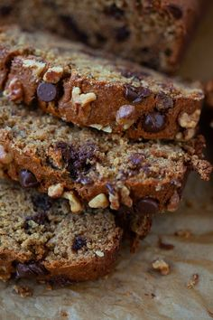 This Tahini Chocolate Chip Banana Bread is perfect for an afternoon snack, breakfast or even dessert! All the goodness of banana bread plus that delicious nutty flavor from the tahini! Banana Bread Muffins, Chocolate Chip Banana Bread, Banana Bread Recipes, Vegan Chocolate, Tofu Recipes, Ramadan Recipes, Healthy Cake, Dessert Bread, Afternoon Snacks