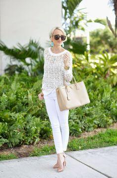 Białe jeansy - jak je nosić wiosną?  A spoon of Style   Więcej na Moda Cafe!