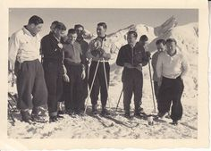 Werner Mölders skiing with fellow pilots. Heinrich Kraft is 2nd from left. p>