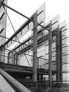 Tolle Aussicht! Lohnt sich, nicht nur wegen der kleinen aber feinen Architektur der Aussichtsplattform. www.steinzeichen.de