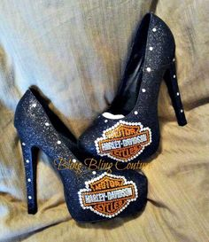 Omg!!! Why can't I wear heels anymore?!?!?!?!? Harley Gear, Harley Bikes, Lady Biker, Biker Girl, Boho Chick, Harley Apparel, Biker Wear, Harley Davidson Shoes, Harley Davison