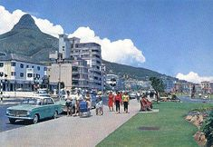 A poor quality postcard of a sunny day in Beach Rd. Sea Point. We used to be regular visitors to the beer garden of the hotel on the left side of the pic. Can anybody recall the name?