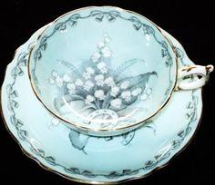 Paragon BRIDES FAVOURITE Choice Tea cup and saucer
