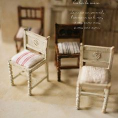 . 1.30 . ✧ miniature antique chair ✧ . ミンネで販売予定です♡ .  #miniature #miniaturedollhouse #chair #ミニチュア#ミニチュア家具#椅子#minne #ドールハウス#アンティーク#antique . .